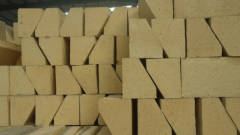分析高铝砖出现裂纹的原因