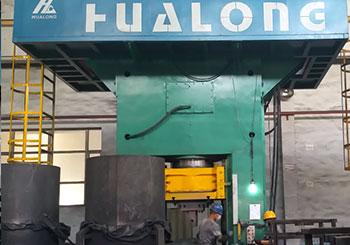 1600吨电动螺旋压力机一出二客户现场